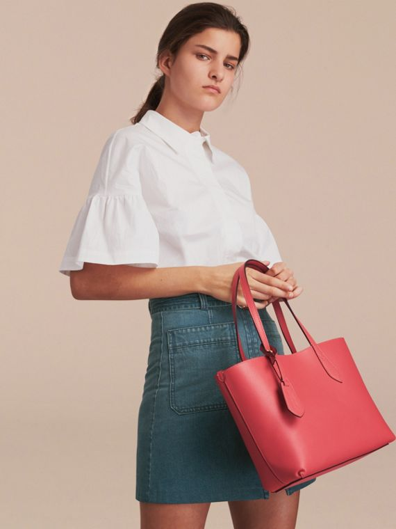 The Small Reversible Tote in Haymarket Check and Leather Coral Red - cell image 2