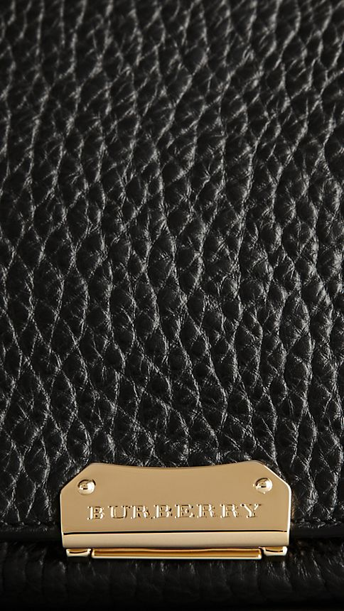 Black Medium Signature Grain Leather Clutch Bag - Image 6