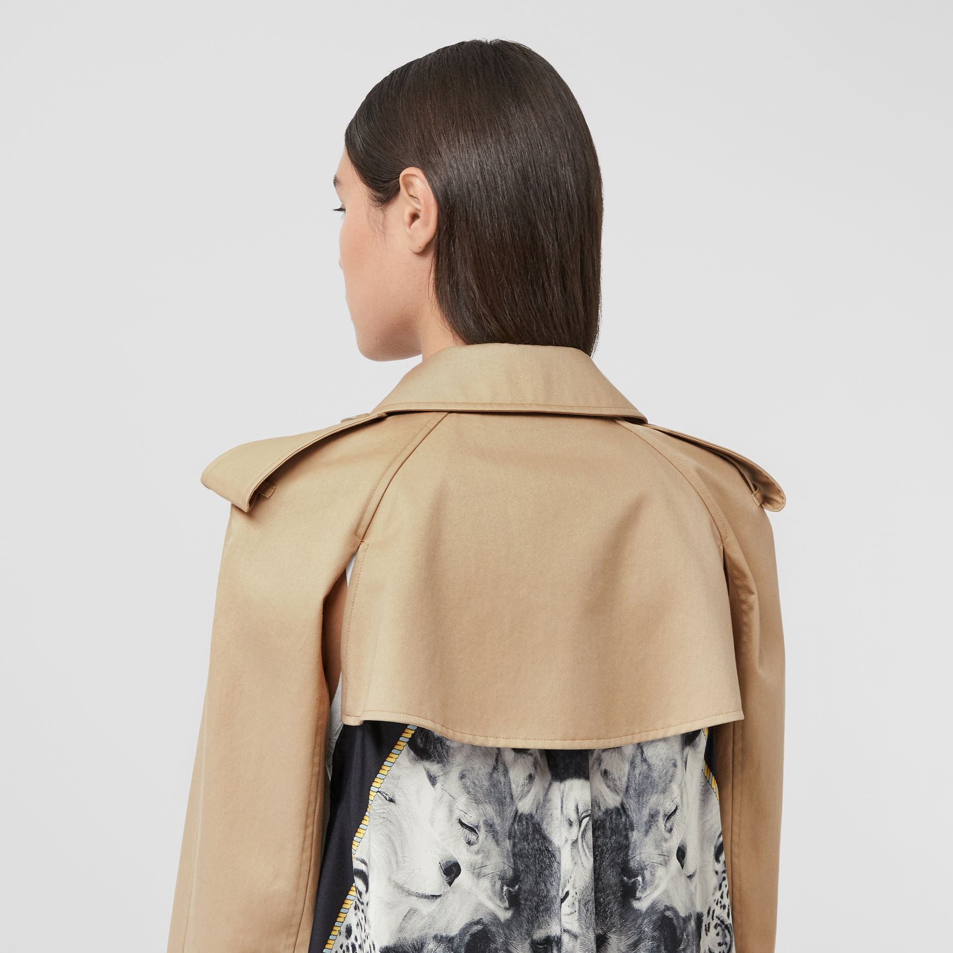 Animalia Print Cotton Twill Trench Coat in Soft Fawn - Women | Burberry Canada - gallery image 4