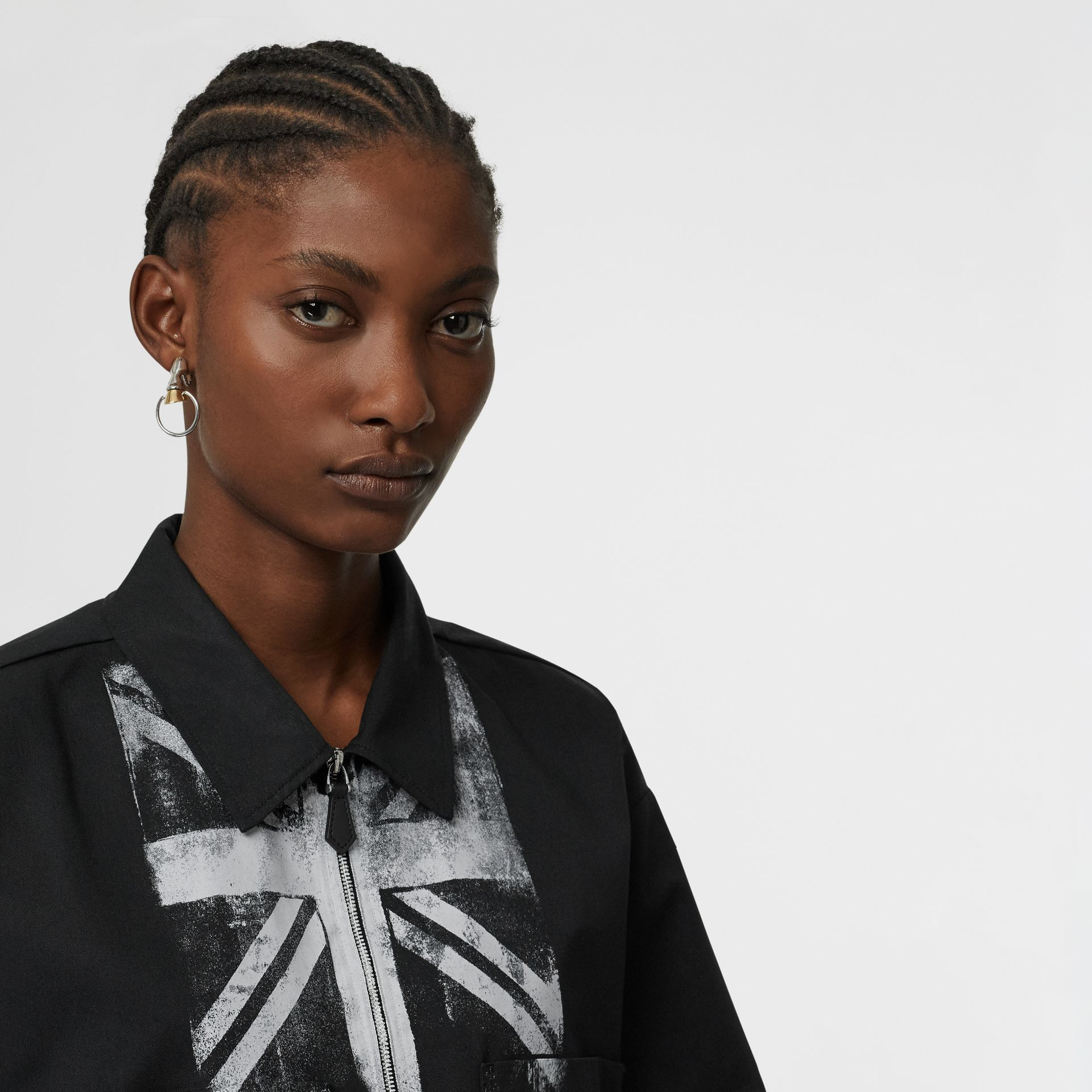 Short-sleeve Union Jack Print Cotton Oversized Shirt in Black - Women | Burberry - gallery image 1