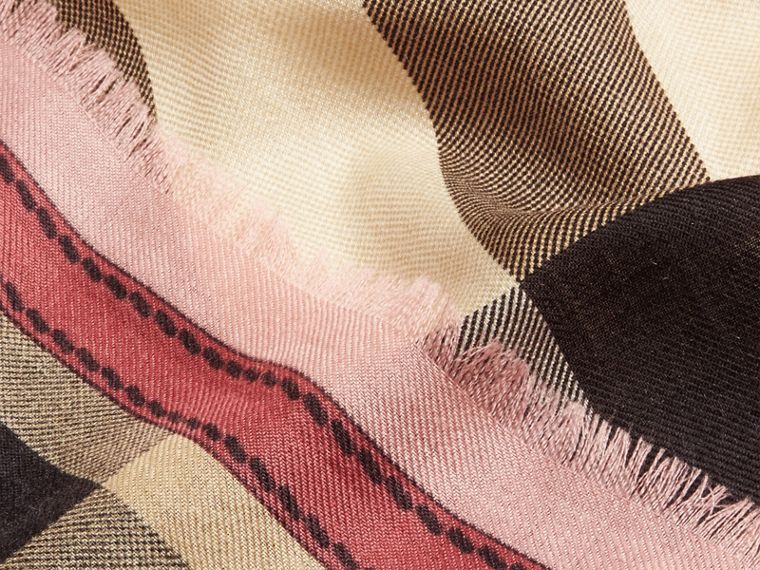 Contrast Border Horseferry Check Cashmere Scarf in Ash Rose - Women | Burberry - cell image 1