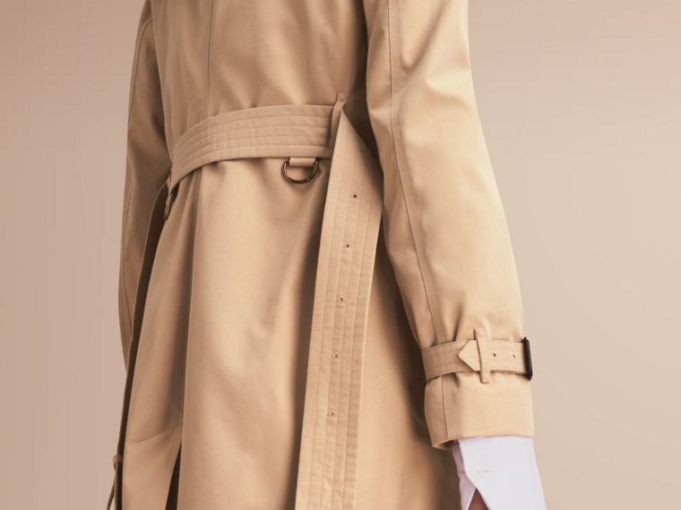 The Kensington – Mid-Length Heritage Trench Coat in Honey - Women | Burberry Singapore - cell image 4