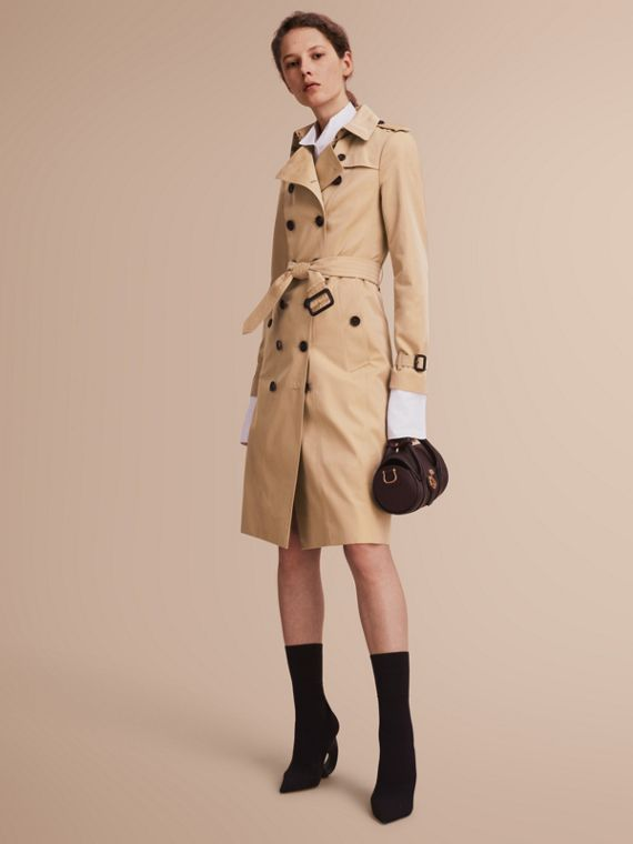 The Sandringham – Extra-long Heritage Trench Coat in Honey - Women | Burberry
