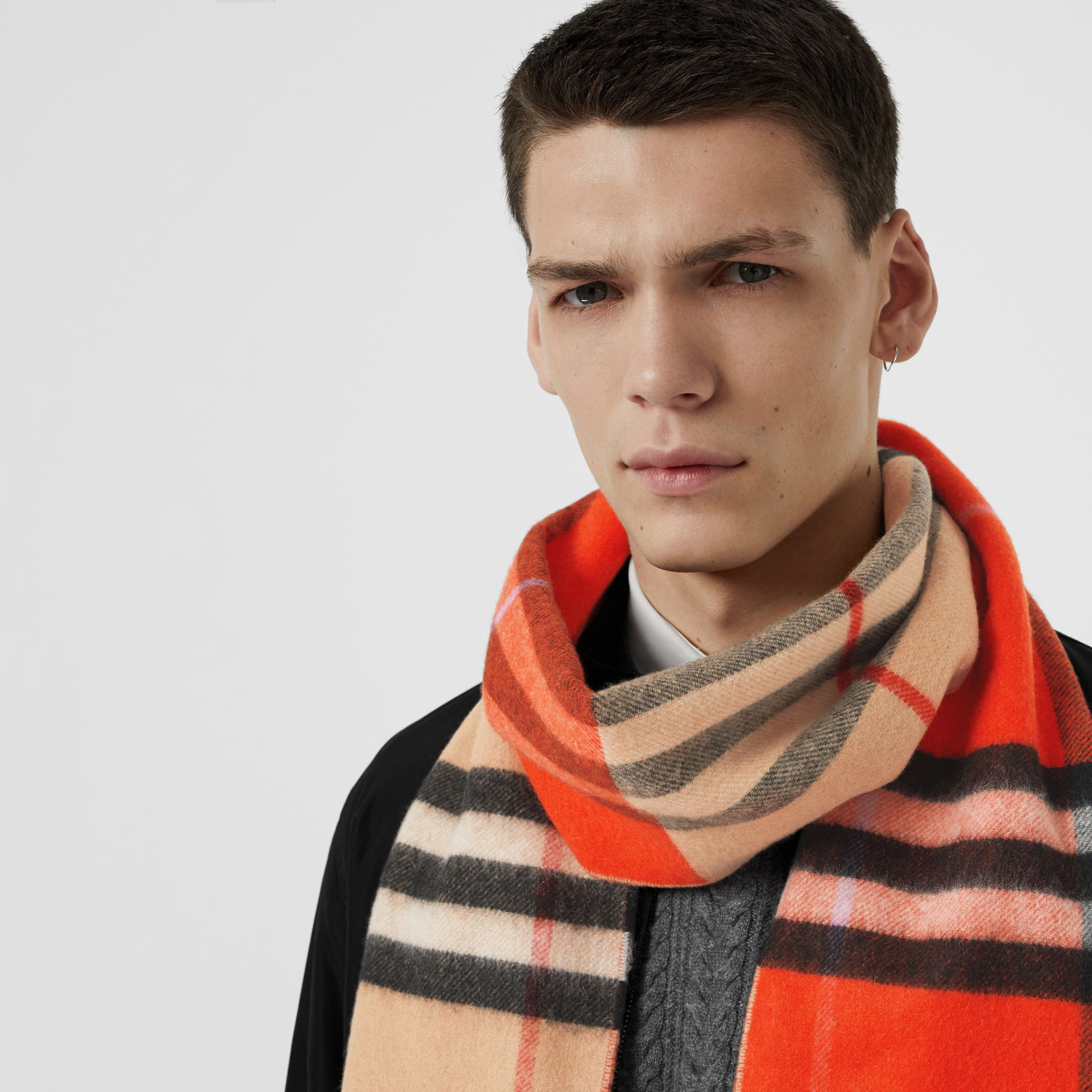 Long Reversible Colour Block Double-faced Cashmere Scarf in Bright Orange Red | Burberry United Kingdom - gallery image 6