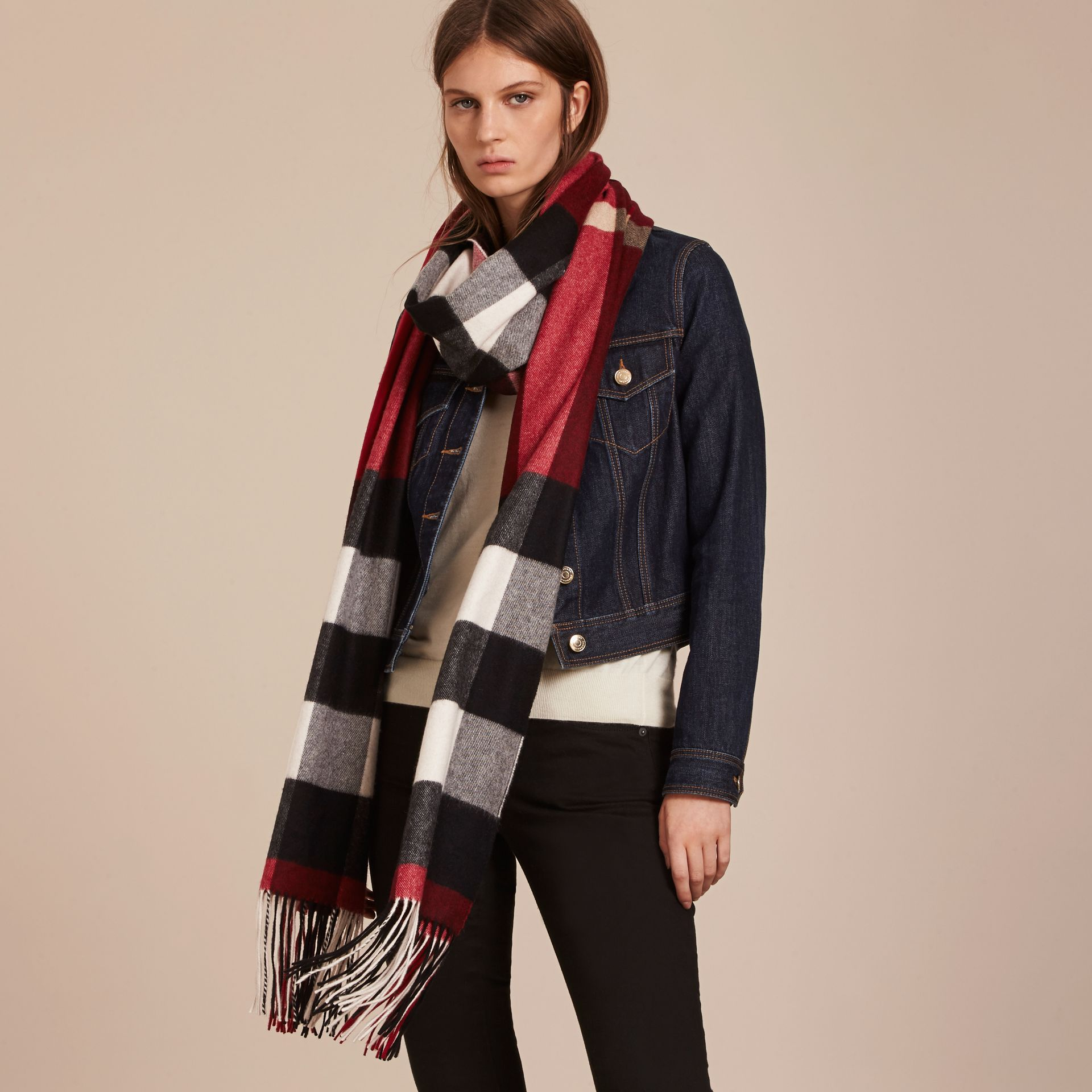 Oversize Check Cashmere Scarf in Parade Red | Burberry - gallery image 3