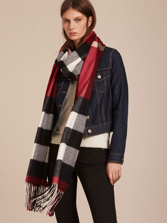 Oversize Check Cashmere Scarf in Parade Red | Burberry - cell image 2