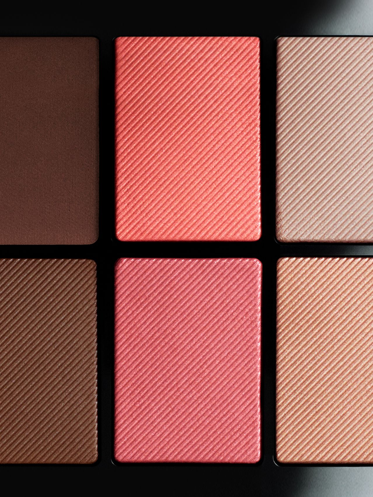 Essentials Glow Palette – 02 Medium to Dark in Moyenne À Foncée