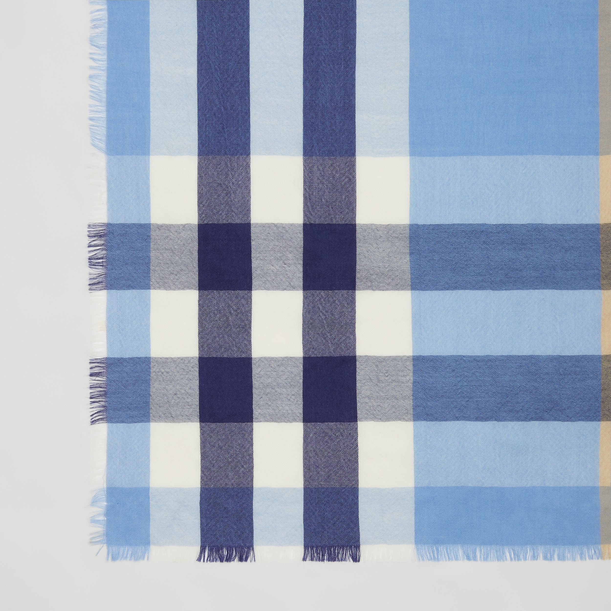 Lightweight Check Cashmere Scarf in English Bluebell | Burberry - 2