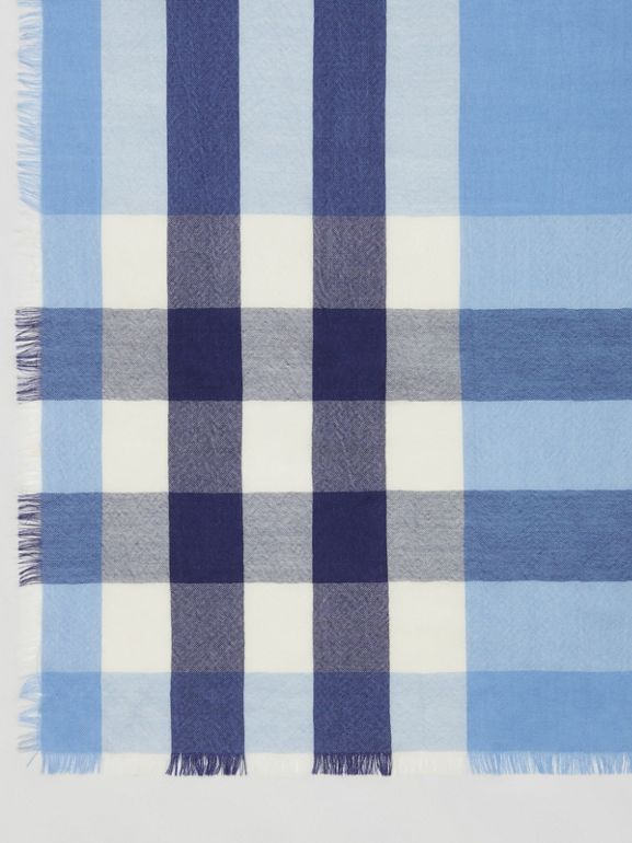 Lightweight Check Cashmere Scarf in English Bluebell | Burberry Hong Kong S.A.R - cell image 1