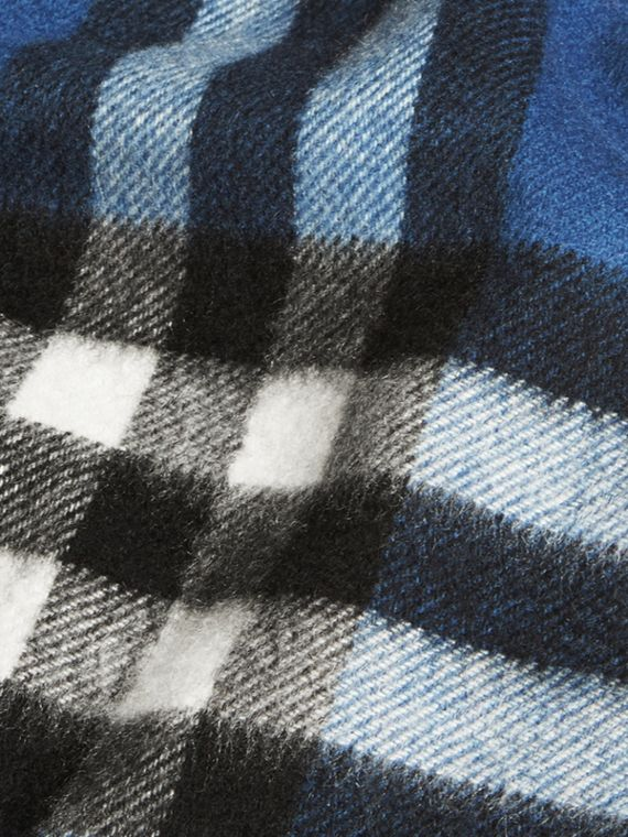 Cadet blue The Mini Classic Cashmere Scarf in Check Cadet Blue - cell image 3