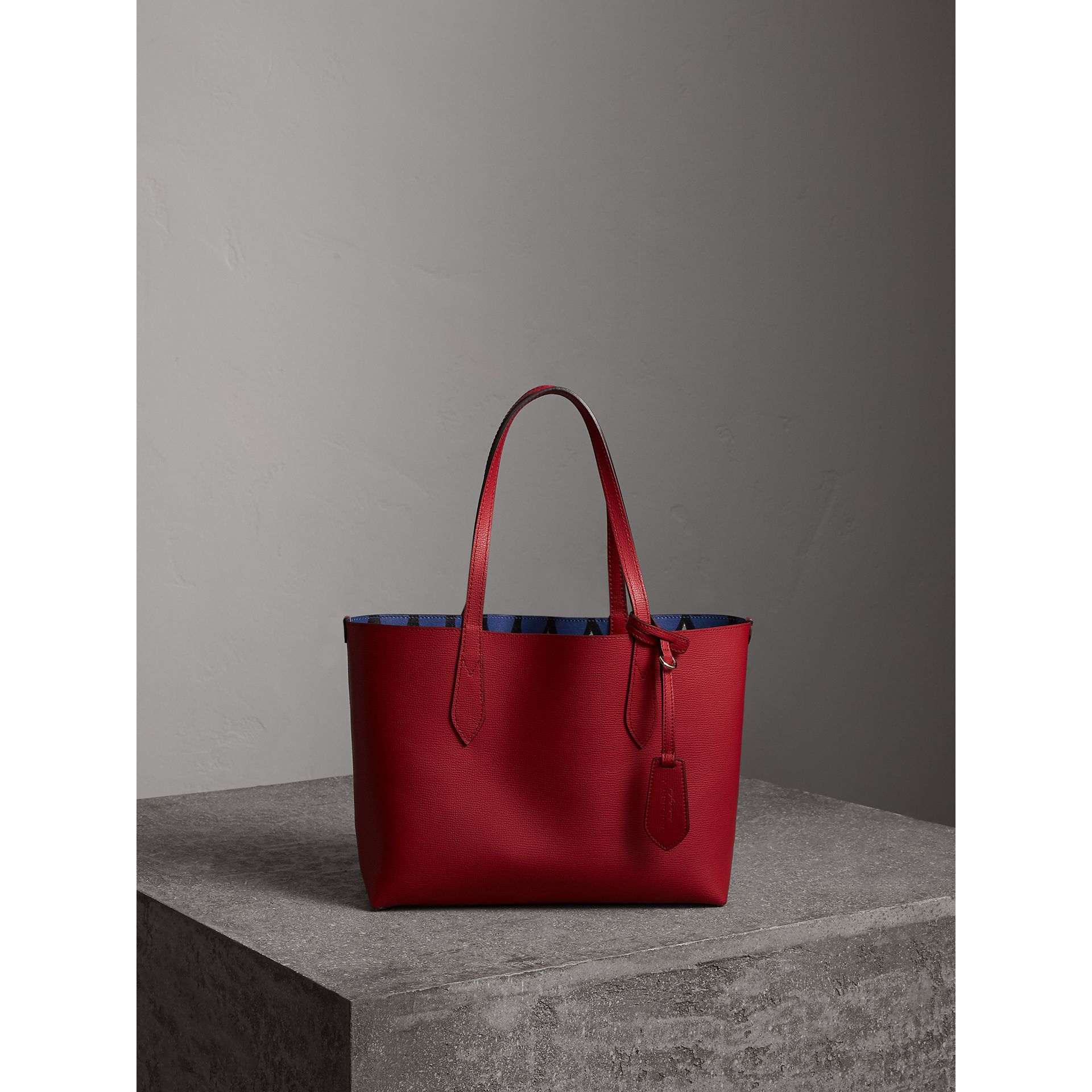 The Small Reversible Tote in Trompe L'oeil Print in Poppy Red - Women | Burberry - gallery image 7