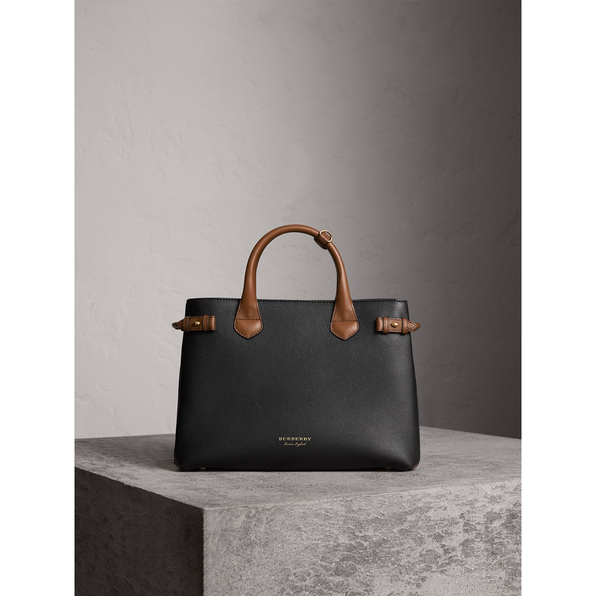 The Medium Banner in Two Tone Leather in Black/tan - Women | Burberry - gallery image 6