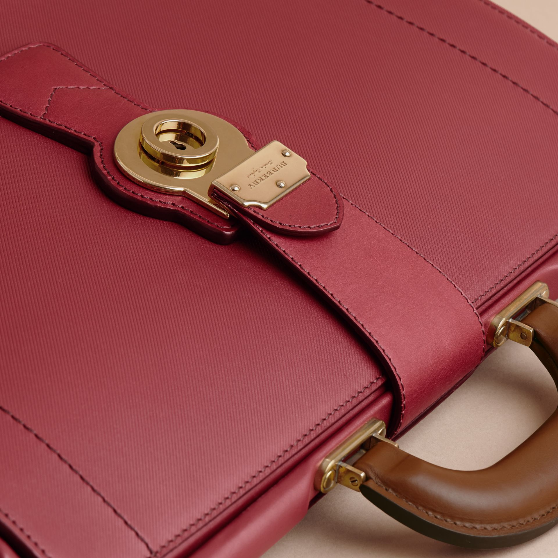 Sac docteur DK88 (Rouge Antique) - Homme | Burberry - photo de la galerie 2