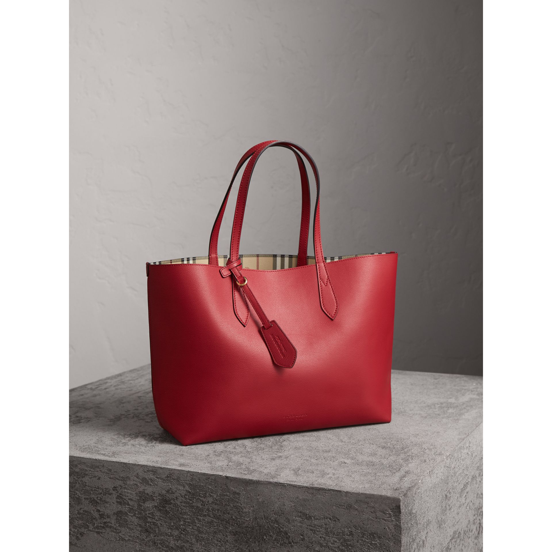 The Medium Reversible Tote in Haymarket Check and Leather in Poppy Red - Women | Burberry - gallery image 7