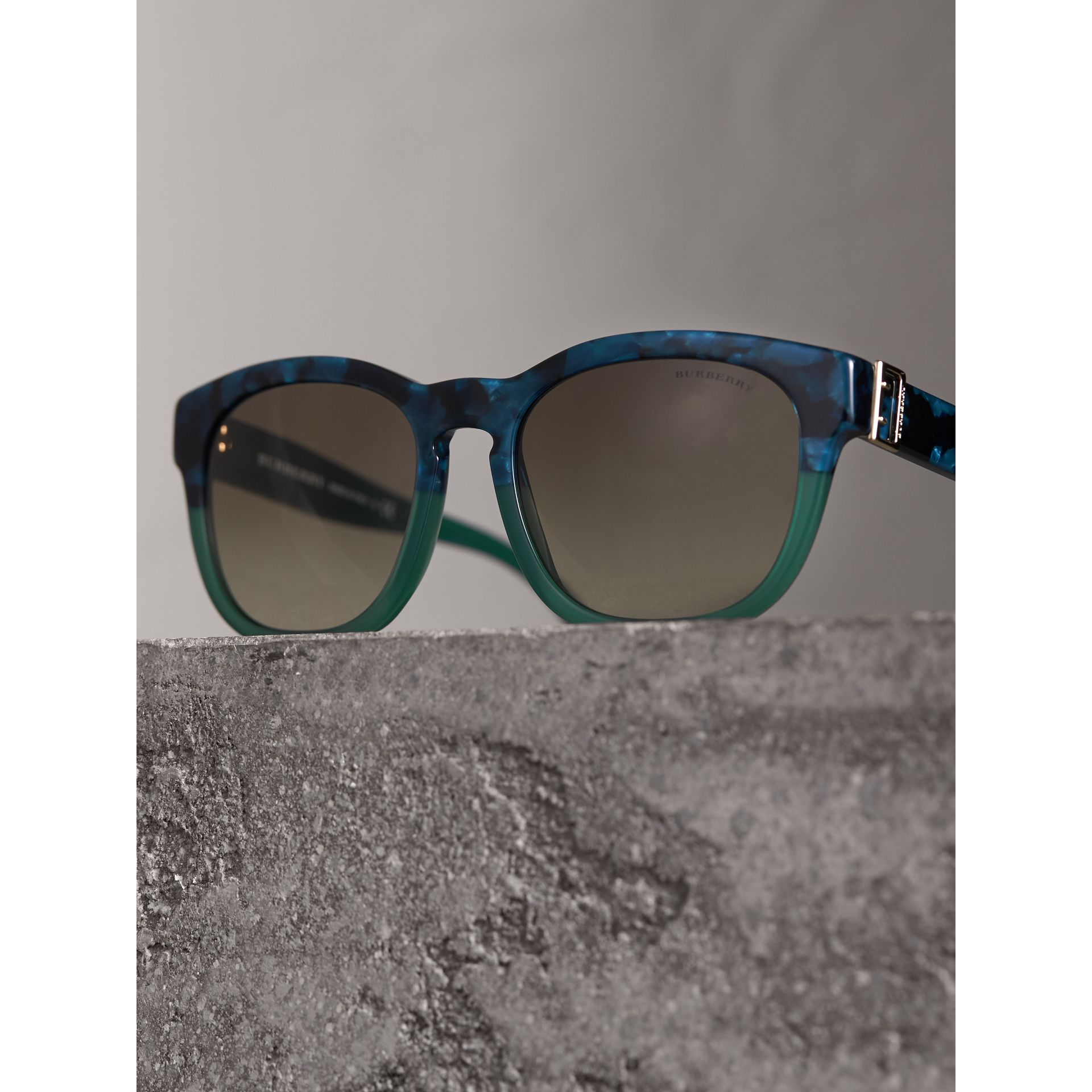 Buckle Detail Square Frame Sunglasses in Blue - Women | Burberry Singapore - gallery image 2