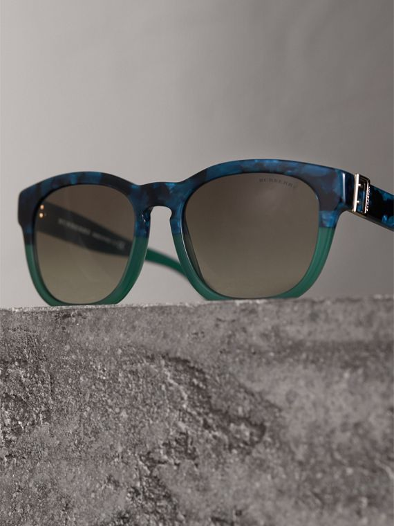 Buckle Detail Square Frame Sunglasses in Blue - Women | Burberry Singapore - cell image 2