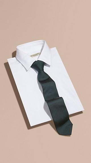 Cravatta dal taglio moderno in twill di seta