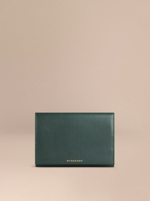 Grainy Leather Travel Wallet Dark Forest Green