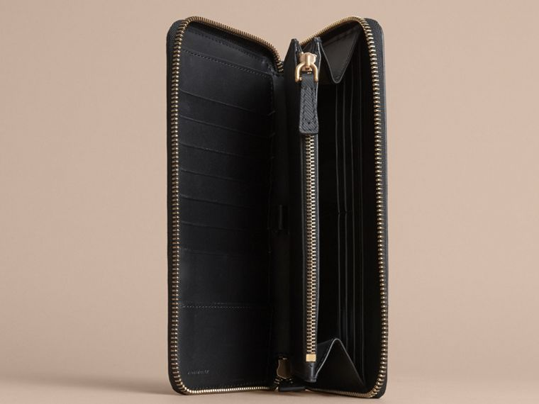 Trench Leather Ziparound Wallet in Black - Men | Burberry - cell image 4