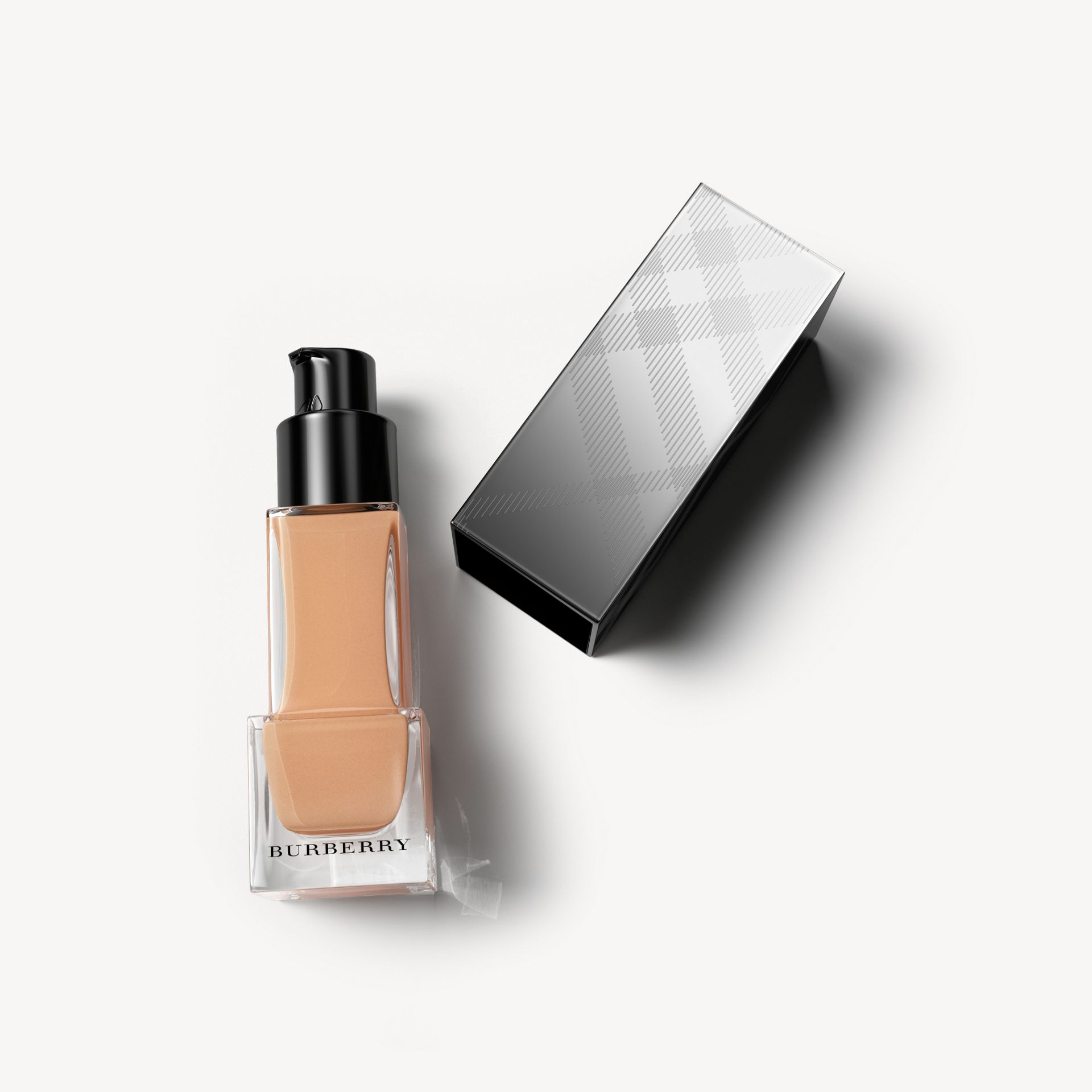 Warm nude 34 Fresh Glow Foundation mit LSF 15 PA+++ – Warm Nude No.34 - Galerie-Bild 1
