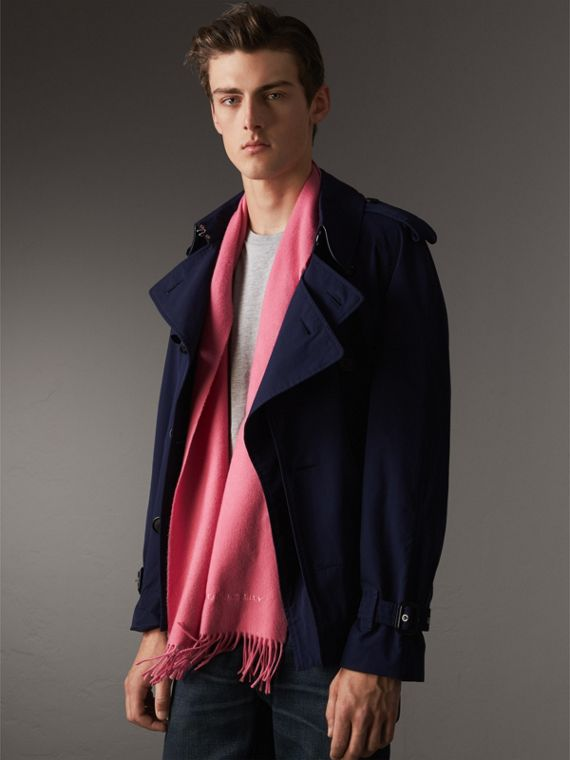 The Classic Cashmere Scarf in Rose Pink | Burberry Singapore - cell image 3