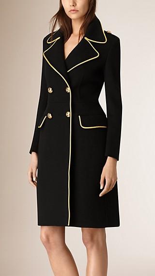 Manteau en cachemire avec détails militaires