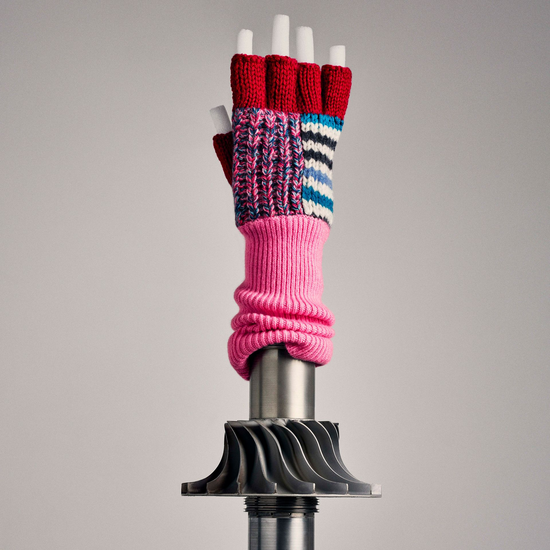 Wool Cashmere Patchwork Fingerless Gloves in Natural White/pink | Burberry - gallery image 4