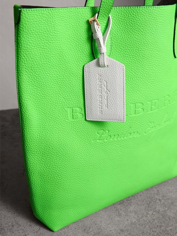 Grainy Leather Luggage Tag in Chalk White | Burberry Singapore - cell image 3