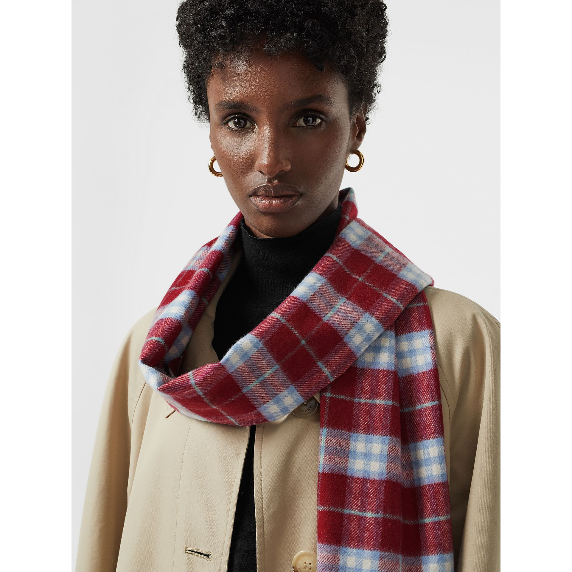 The Classic Vintage Check Cashmere Scarf in Damson Pink | Burberry United Kingdom - gallery image 5