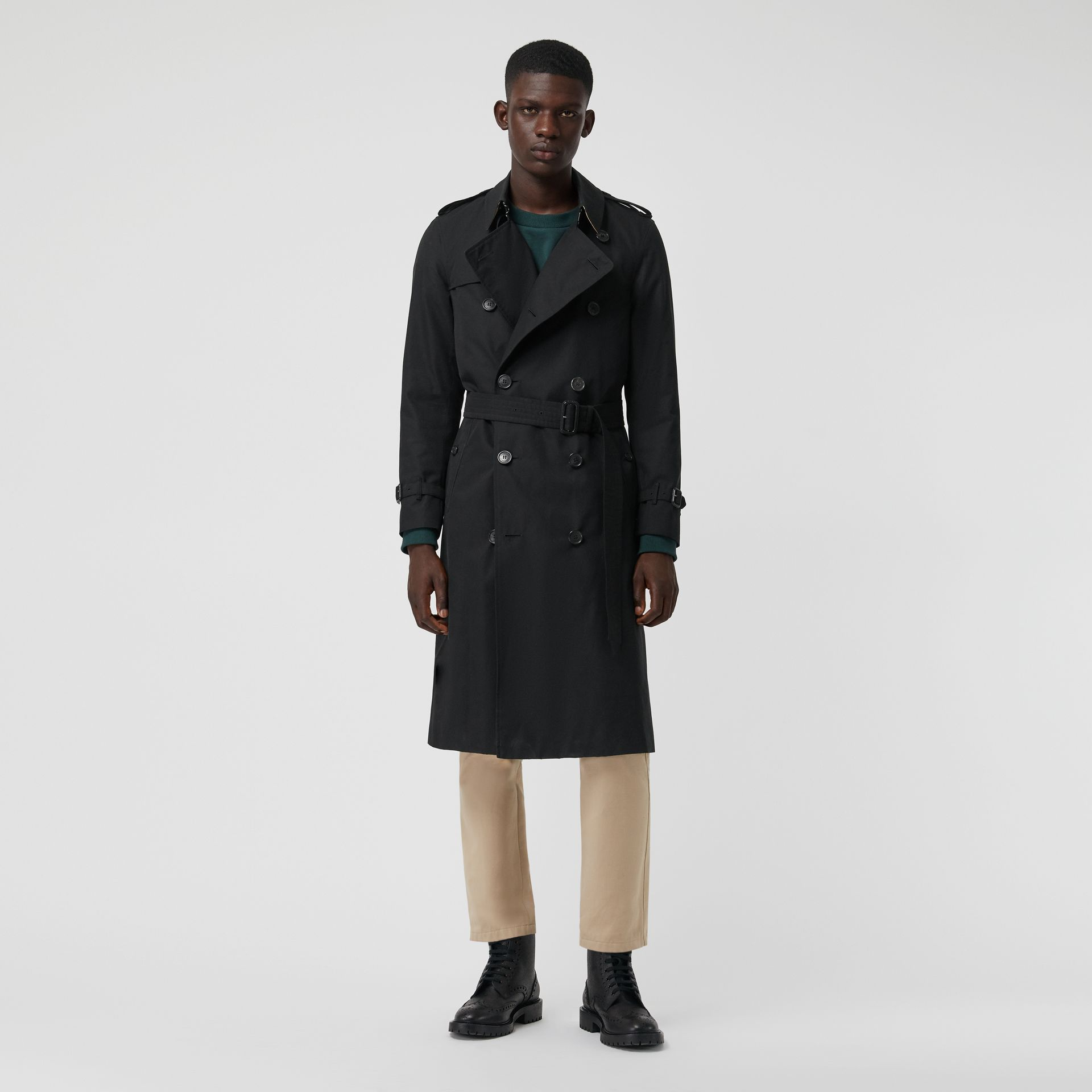 The Long Chelsea Heritage Trench Coat in Black - Men | Burberry Singapore - gallery image 6