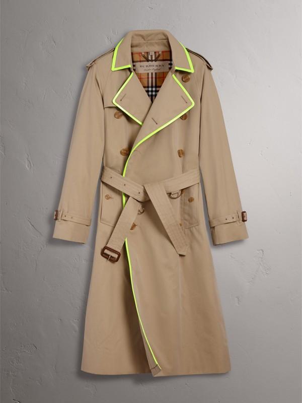 Trench coat de gabardine de algodão com debrum contrastante (Mel) - Homens | Burberry - cell image 3