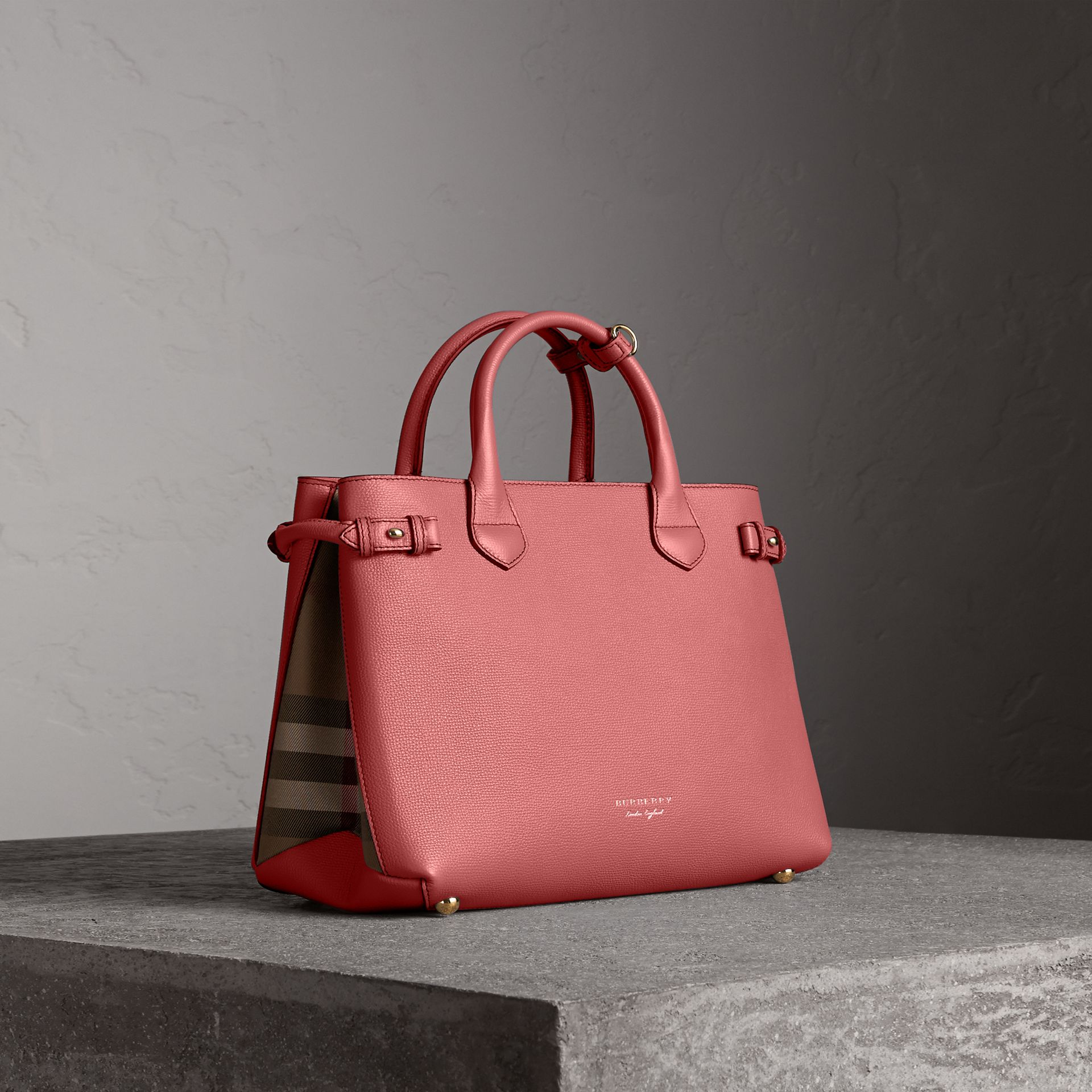 The Medium Banner in Leather and House Check in Mauve Pink - Women | Burberry - gallery image 0