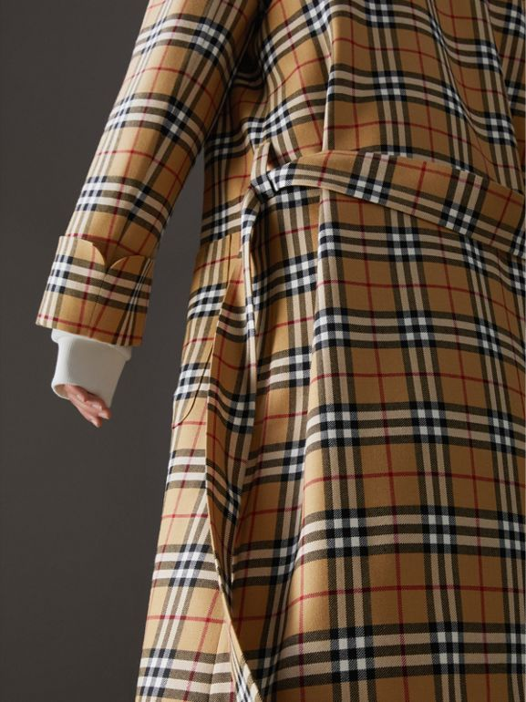Manteau peignoir à motif Vintage check revisité (Jaune Antique) - Femme | Burberry Canada - cell image 1
