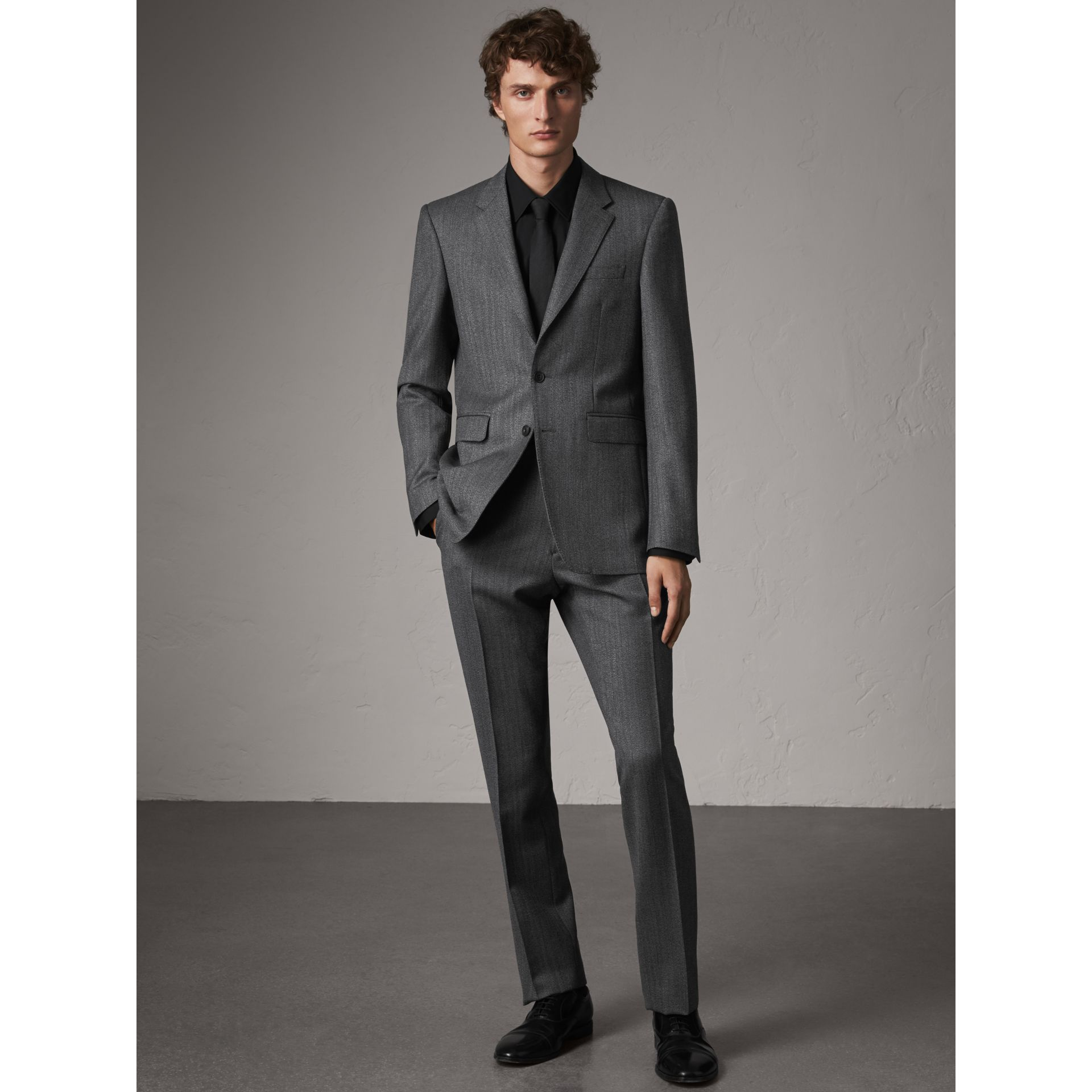 Modern Fit Stretch Cotton Shirt in Black - Men | Burberry Singapore - gallery image 6
