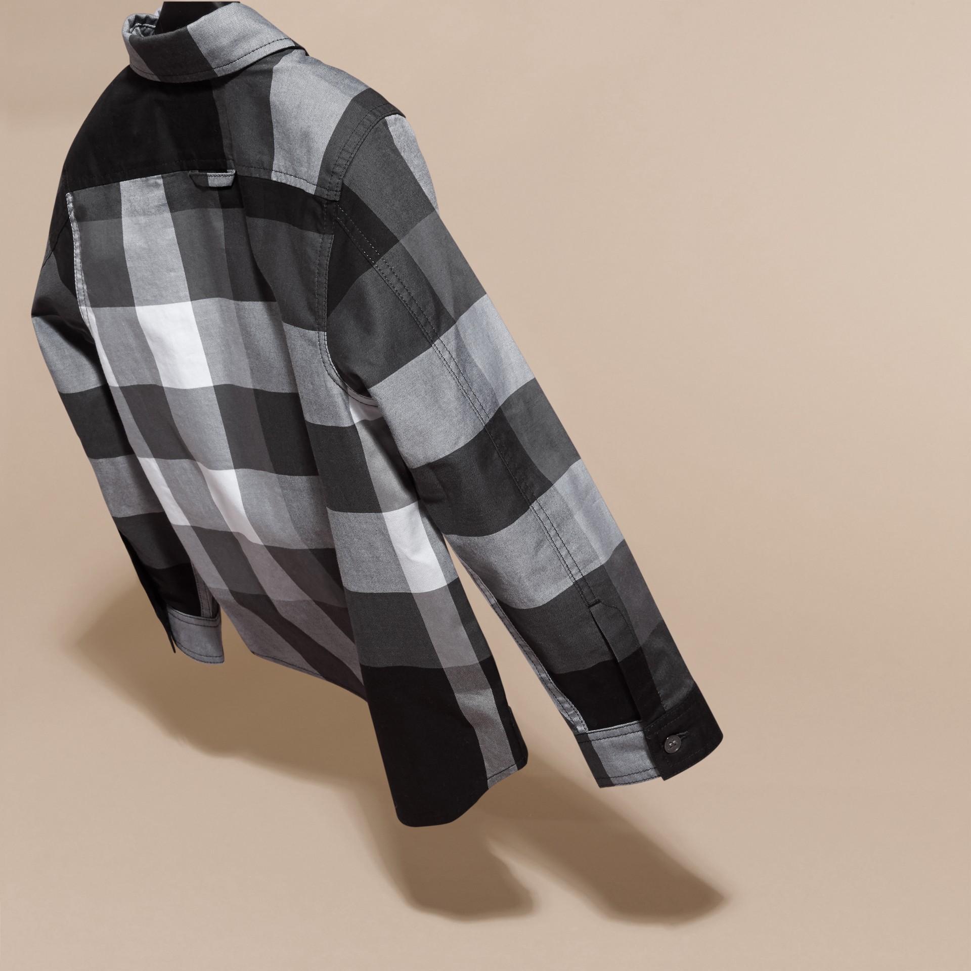 Noir Chemise en coton à motif check Noir - photo de la galerie 4