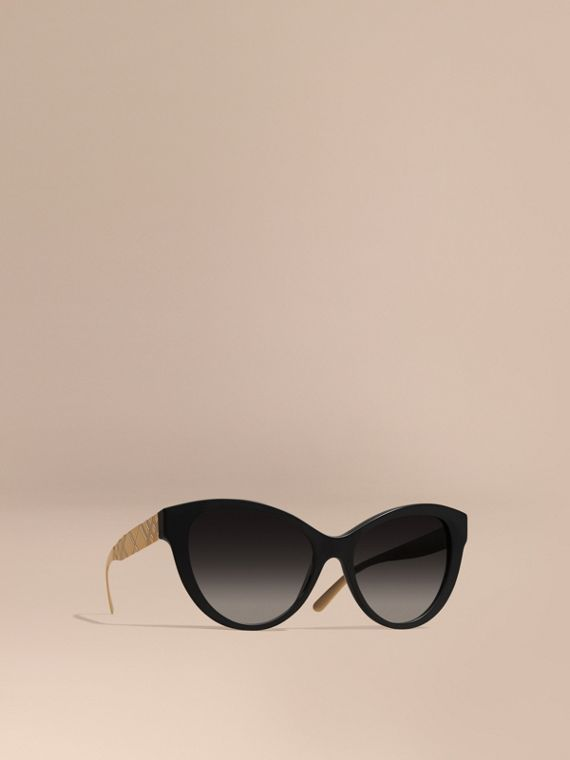 3D Check Cat-eye Sunglasses Black