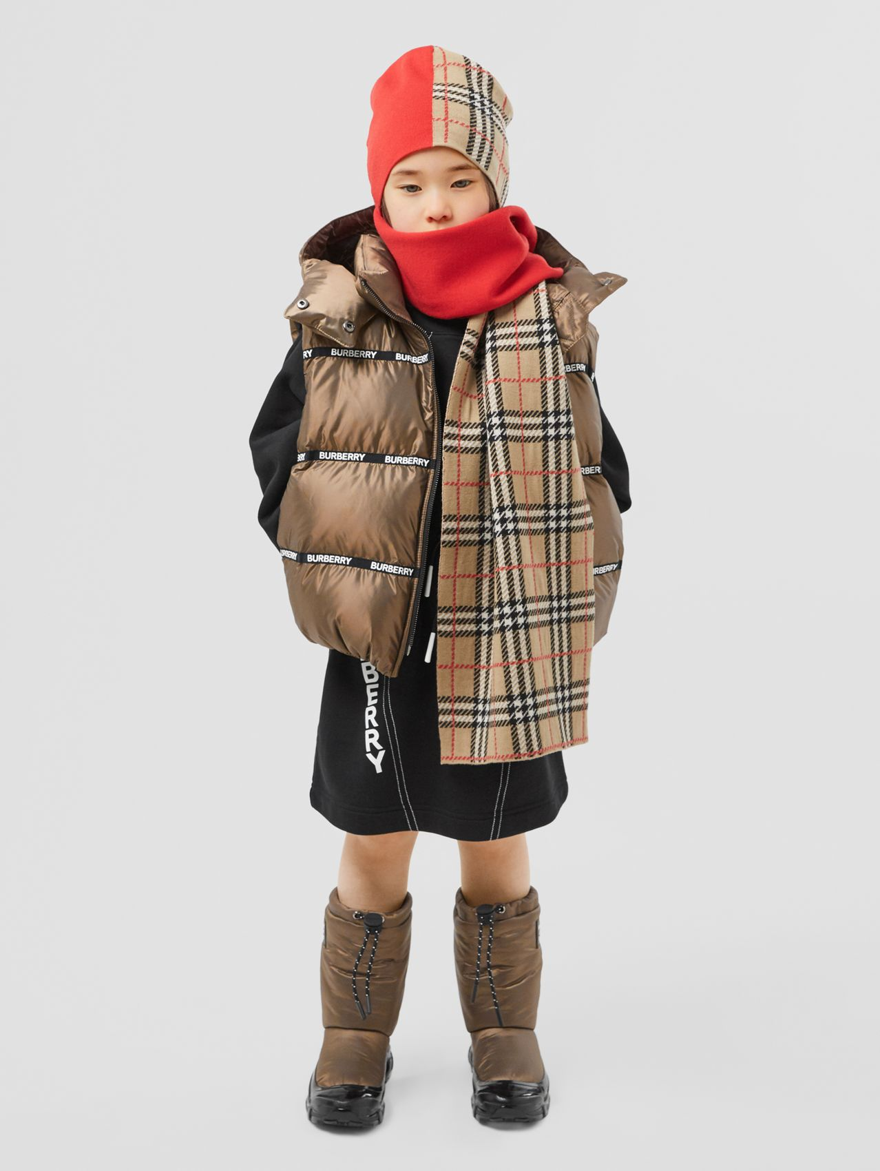 Logo Tape Hooded Puffer Gilet in Smoke