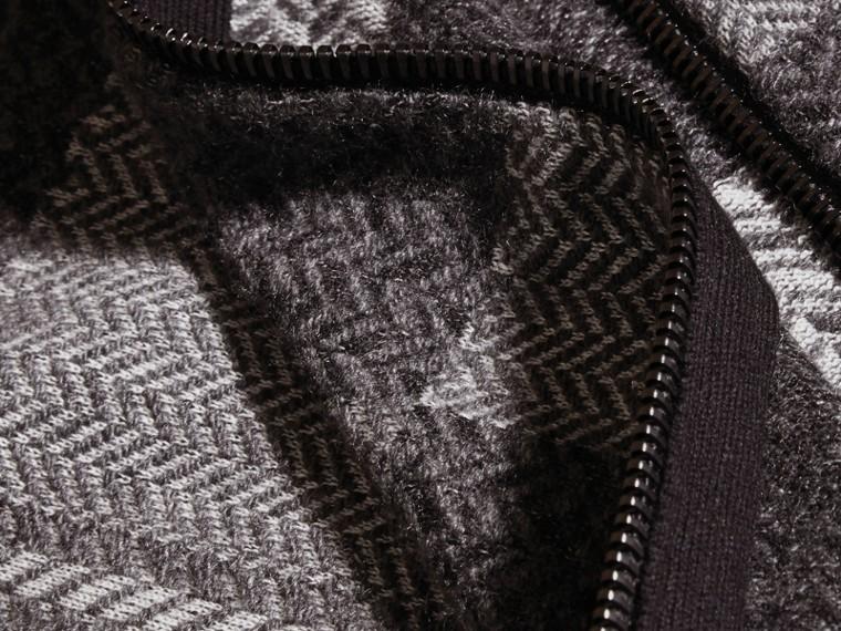 Camaïeu de gris sombres Veste à col entonnoir en maille de cachemire et coton - cell image 1