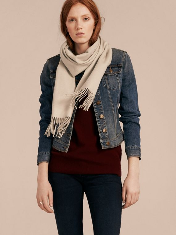The Classic Cashmere Scarf in Stone - cell image 2
