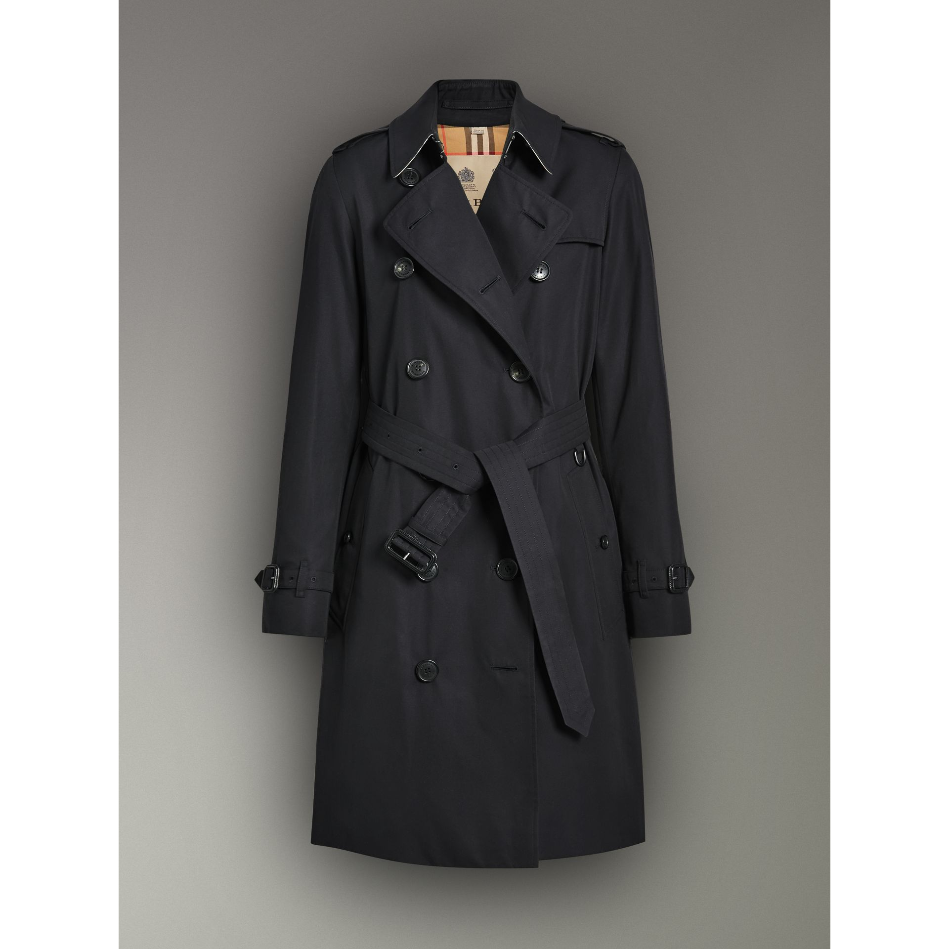 The Kensington Heritage Trench Coat in Midnight - Women | Burberry United Kingdom - gallery image 3