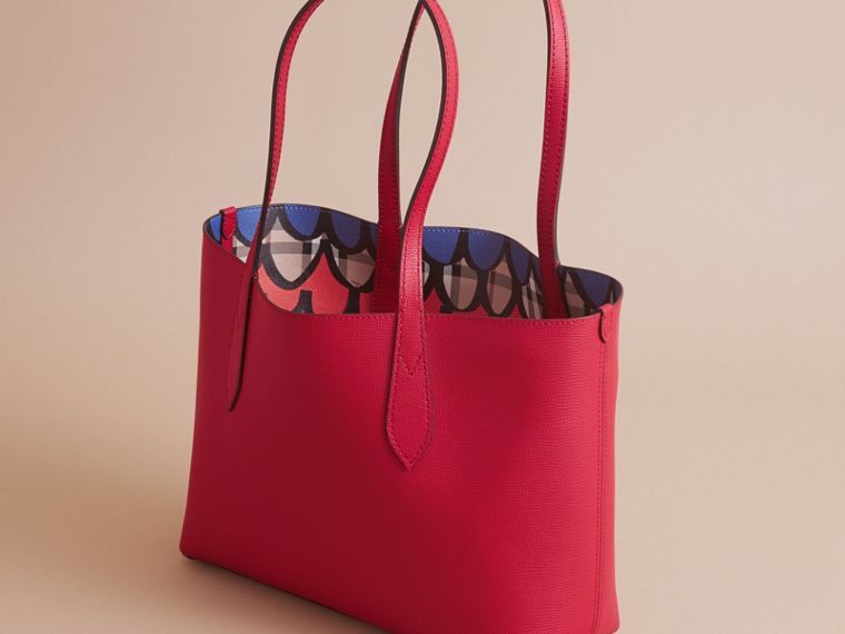 The Small Reversible Tote in Trompe L'oeil Print - cell image 4