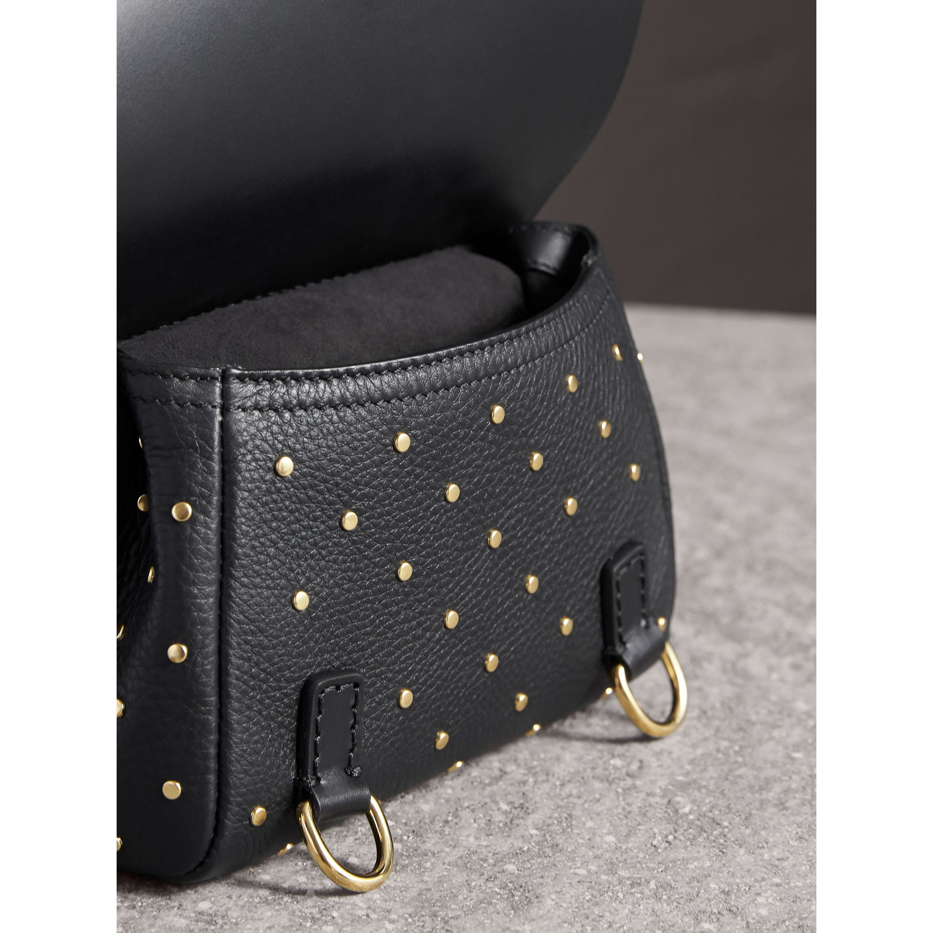 Sac The Baby Bridle en cuir à rivets - Femme | Burberry - photo de la galerie 5