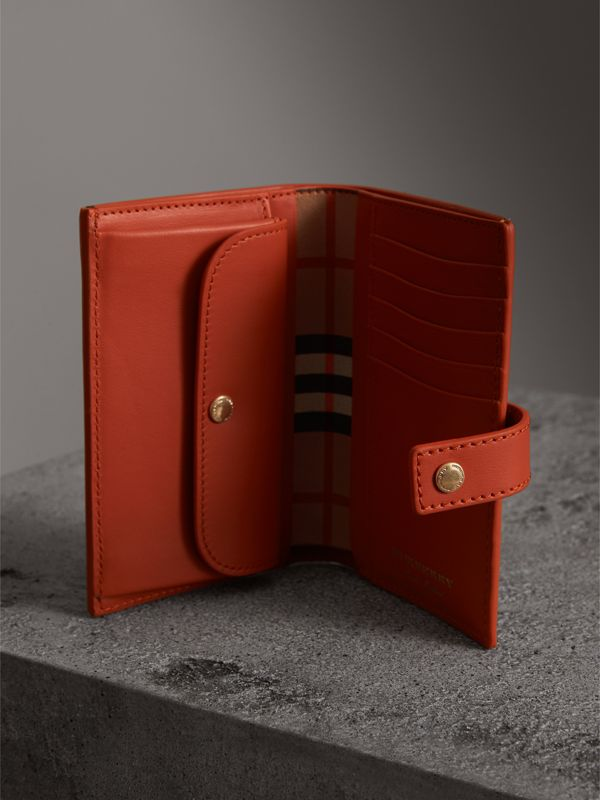 Vintage Check and Leather Folding Wallet in Clementine - Women | Burberry Australia - cell image 3