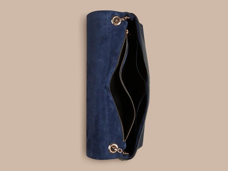 Carbonblau Große Schultertasche aus genarbtem Burberry-Leder Carbonblau - cell image 4