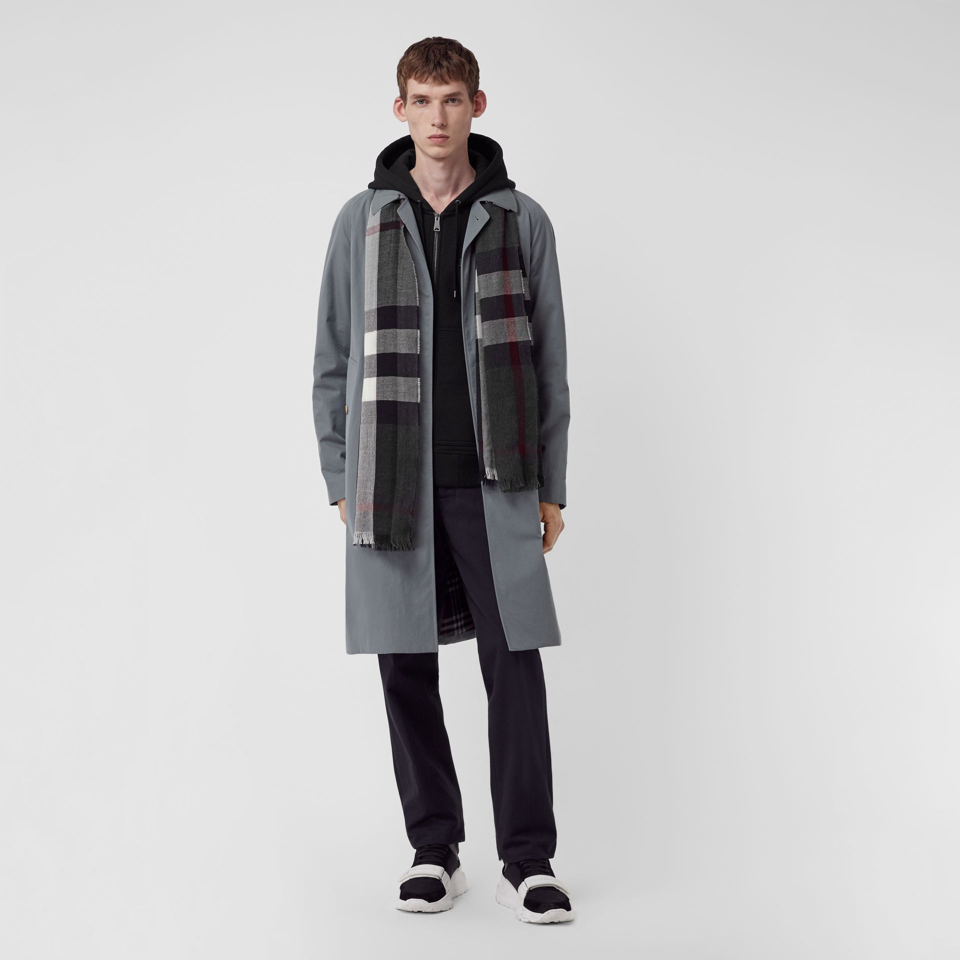Lightweight Check Wool Cashmere Scarf in Charcoal | Burberry Canada - gallery image 3