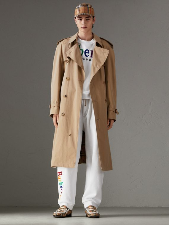 Trench coat in gabardine tropicale (Miele)