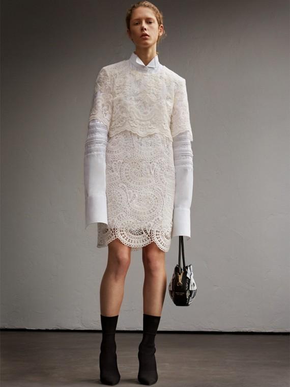多層次花邊蕾絲直筒洋裝