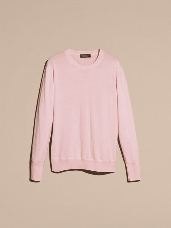 Crew Neck Cashmere Sweater in Light Pink - cell image 3