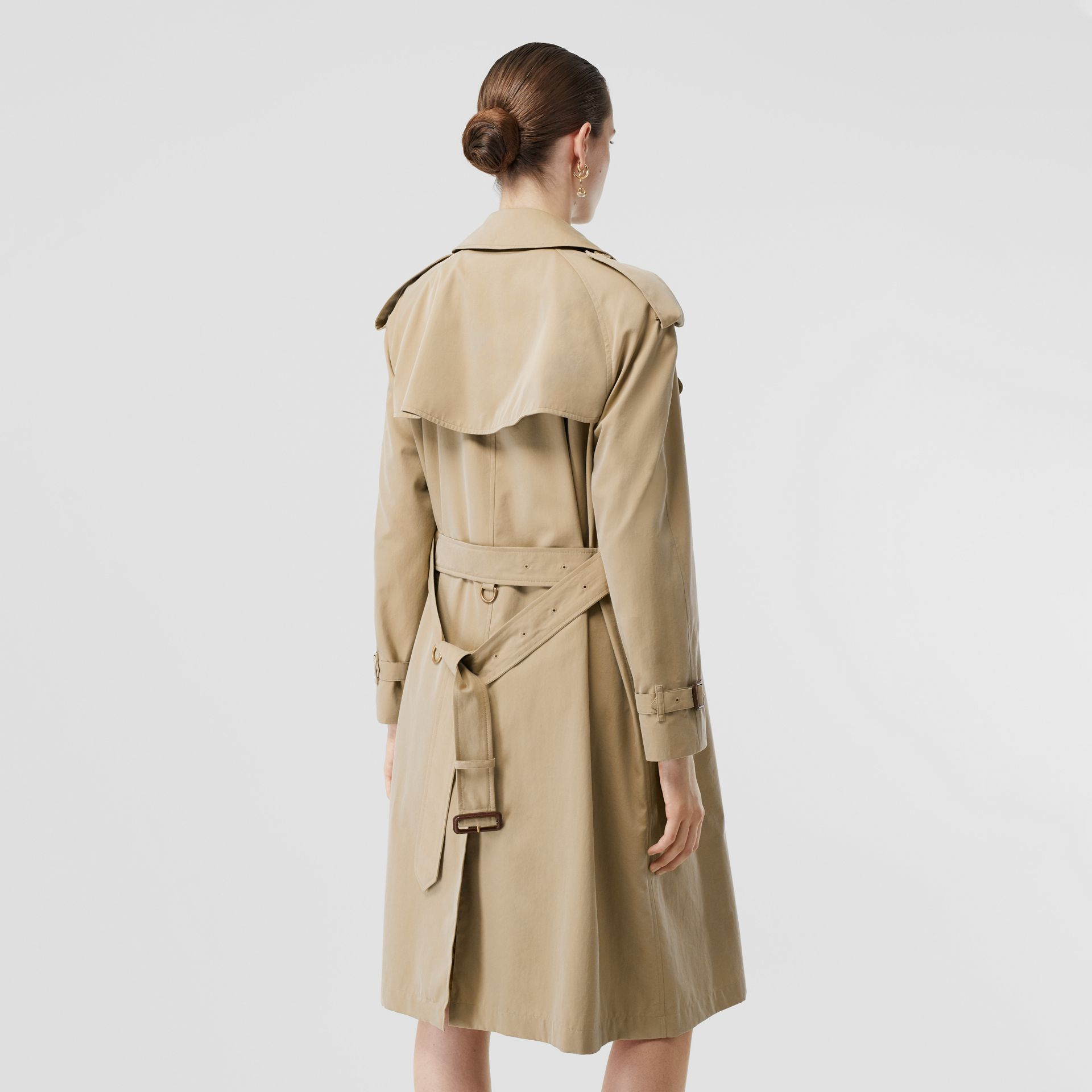 The Mid-length Westminster Heritage Trench Coat in Honey - Women | Burberry Australia - gallery image 2