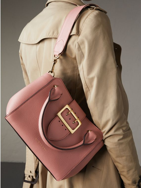 The Small Buckle Tote in Grainy Leather in Dusty Pink - cell image 3